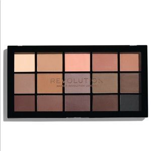 Makeup Revolution Reloaded Palette- Basic Mattes